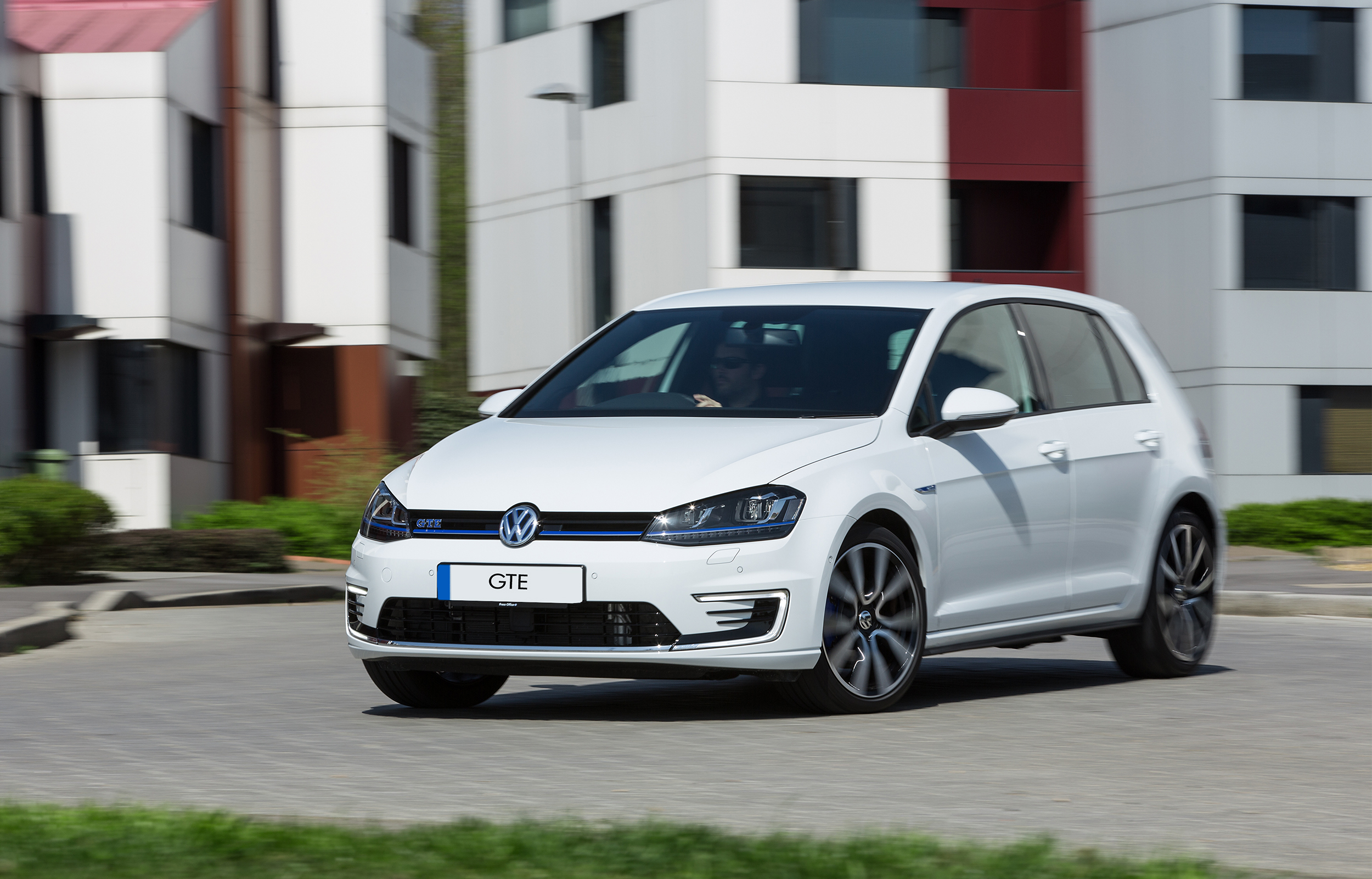 volkswagen golf gte hybrid technology with promise of gti performance 32house. Black Bedroom Furniture Sets. Home Design Ideas